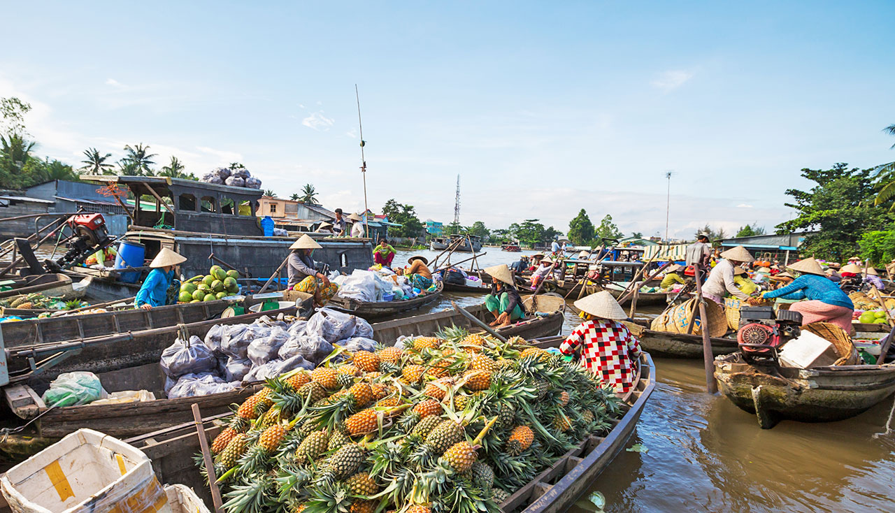 Floating market in Can Tho