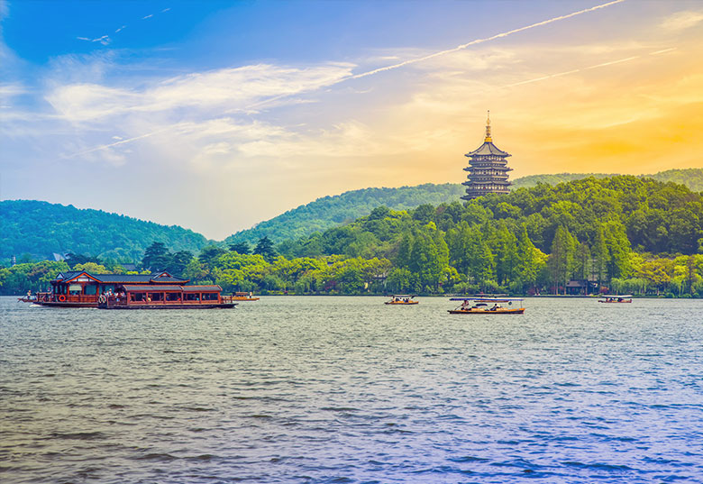 Book your train tickets to Hangzhou
