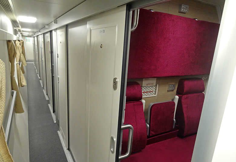 srt first class bed